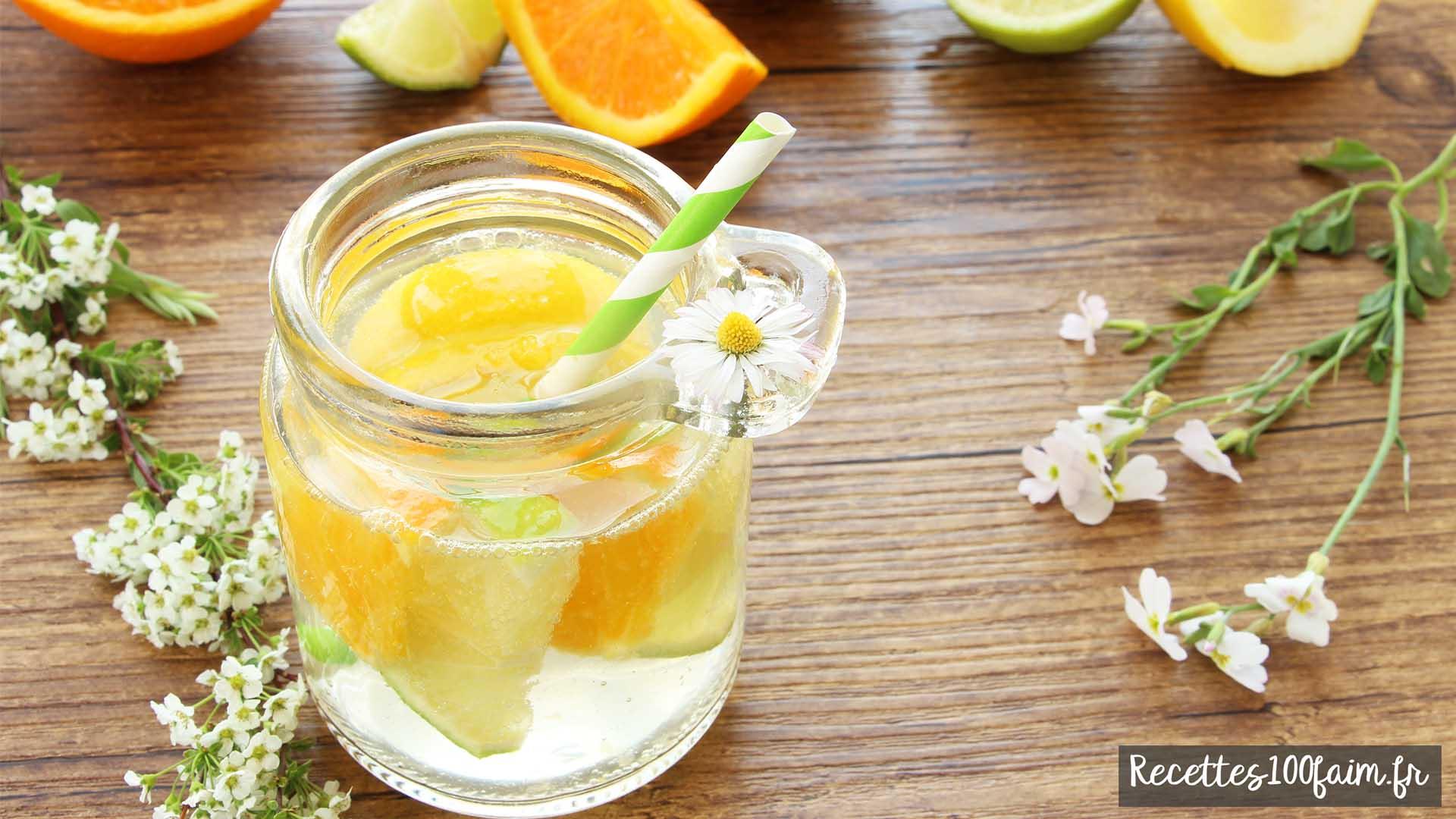 Comment réaliser une eau rafraichissante (detox) avec des fruits et des herbes fraiches