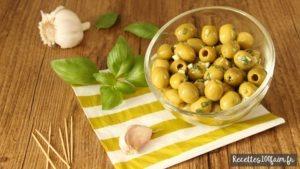 Olives marinées pour l'apéro (ail et basilic)